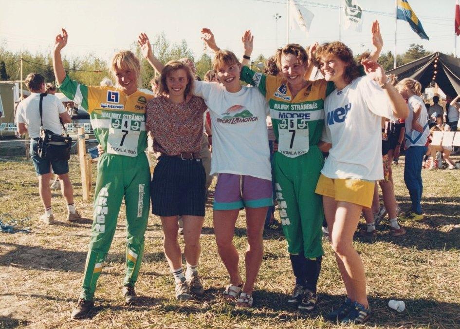 1990-damlaget-tvaa-och-basta-svenska-lag